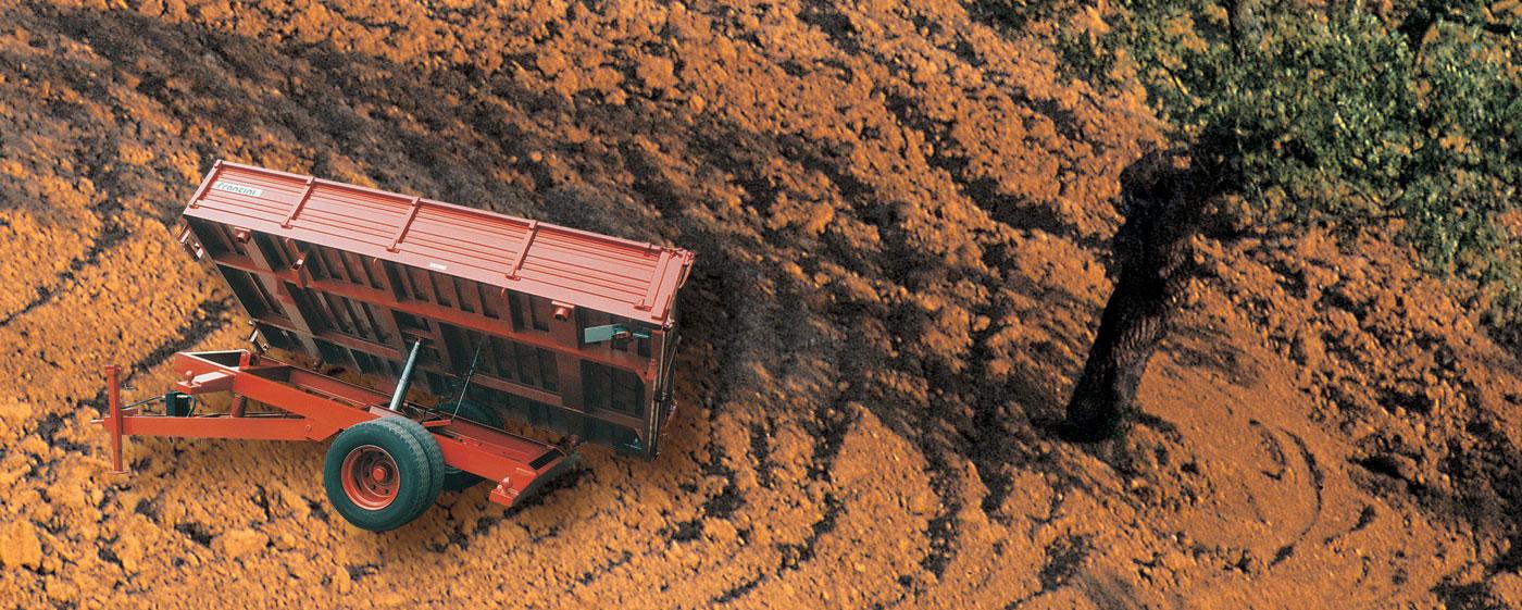 Francini macchine agricole vasta gamma rimorchi agricoli for Rimorchio doppio uso usato